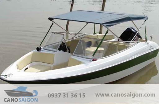 Cano câu cá du lịch Sài Gòn được sản xuất bằng vật liệu đảm bảo tiêu chuẩn